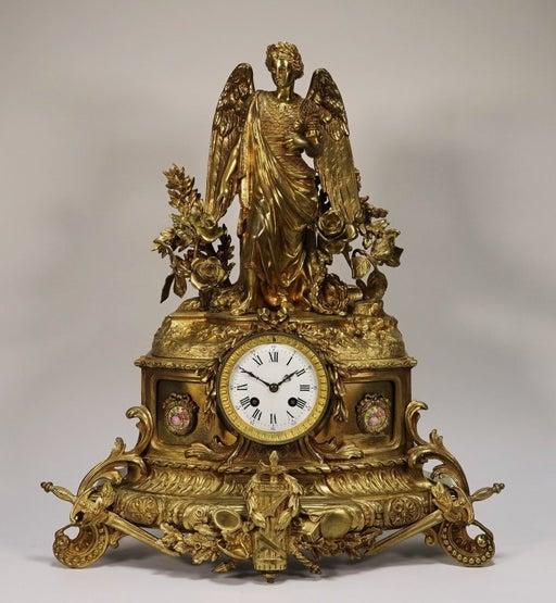 Mantel clock. Late 19th c.