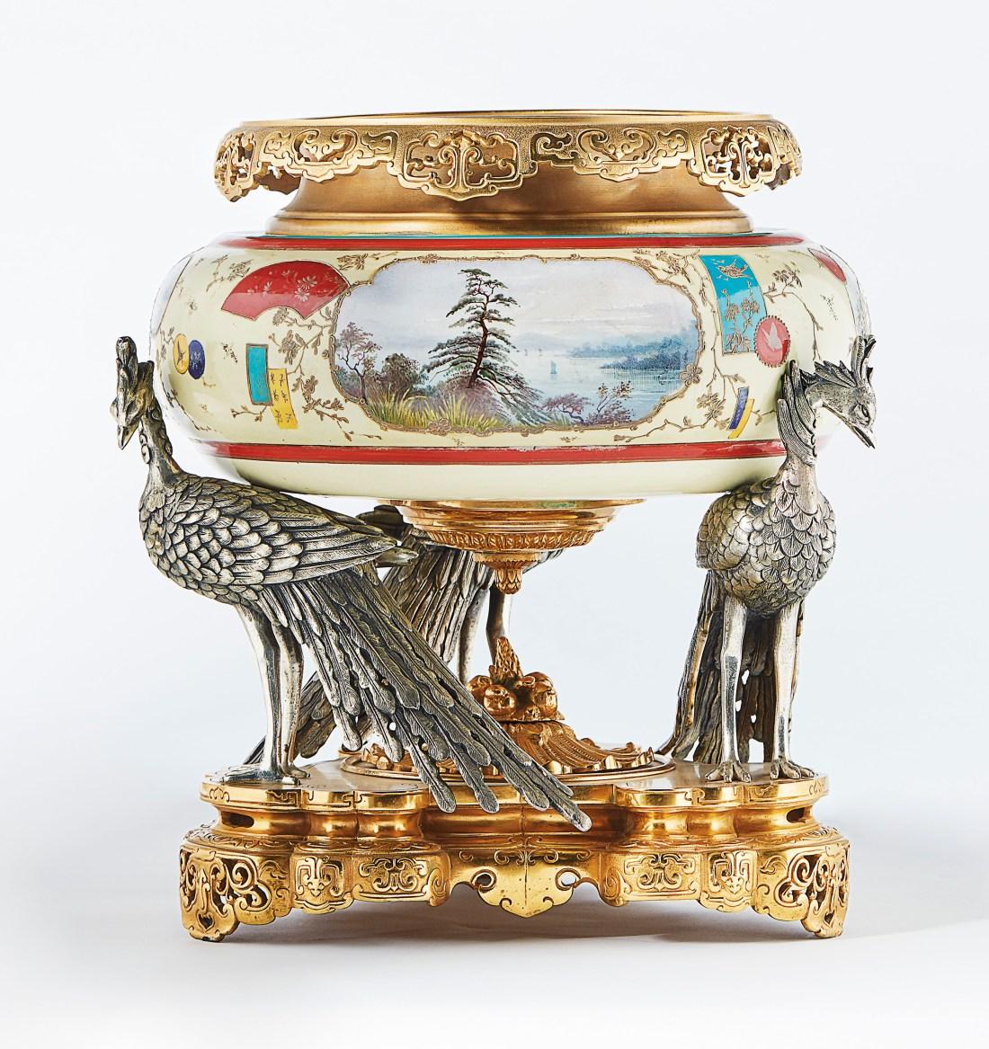 2018_PAR_16843_0022_000(centre_de_table_en_porcelaine_et_bronze_dore_et_argente_france_attribu)