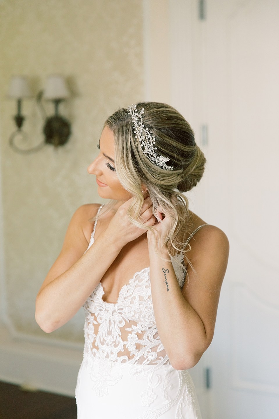 bride getting ready | ashford estate wedding photography | sarah canning photography