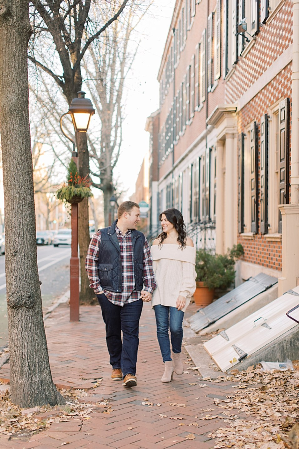 Old City Engagement Photos | Philadelphia Wedding Photographer Sarah Canning