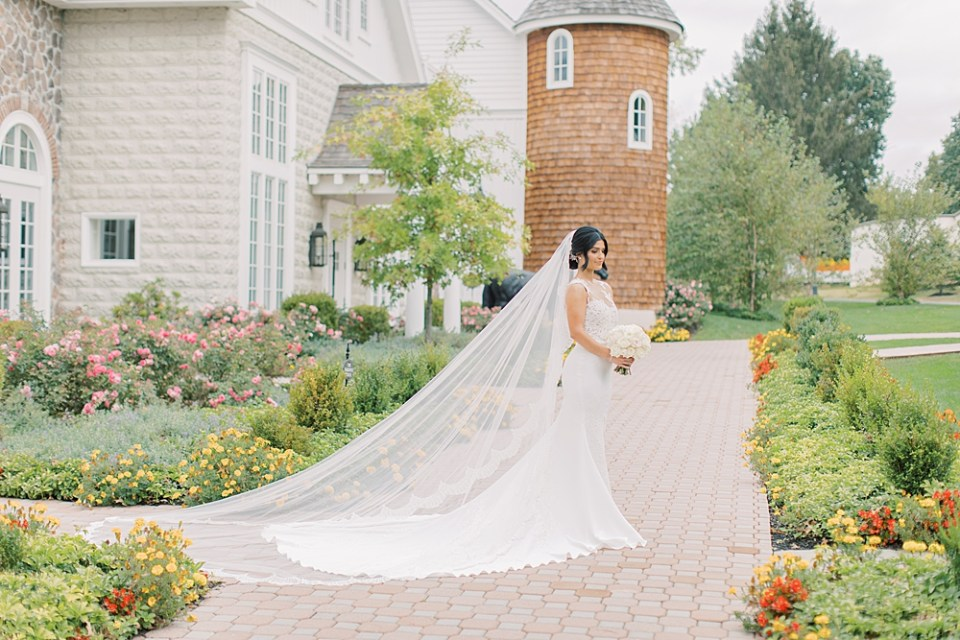 bride with cathedral length veil | ryland inn wedding photography | sarah canning photography