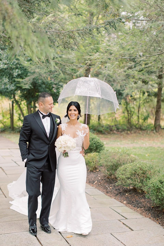 rainy day wedding photos | sarah canning photography