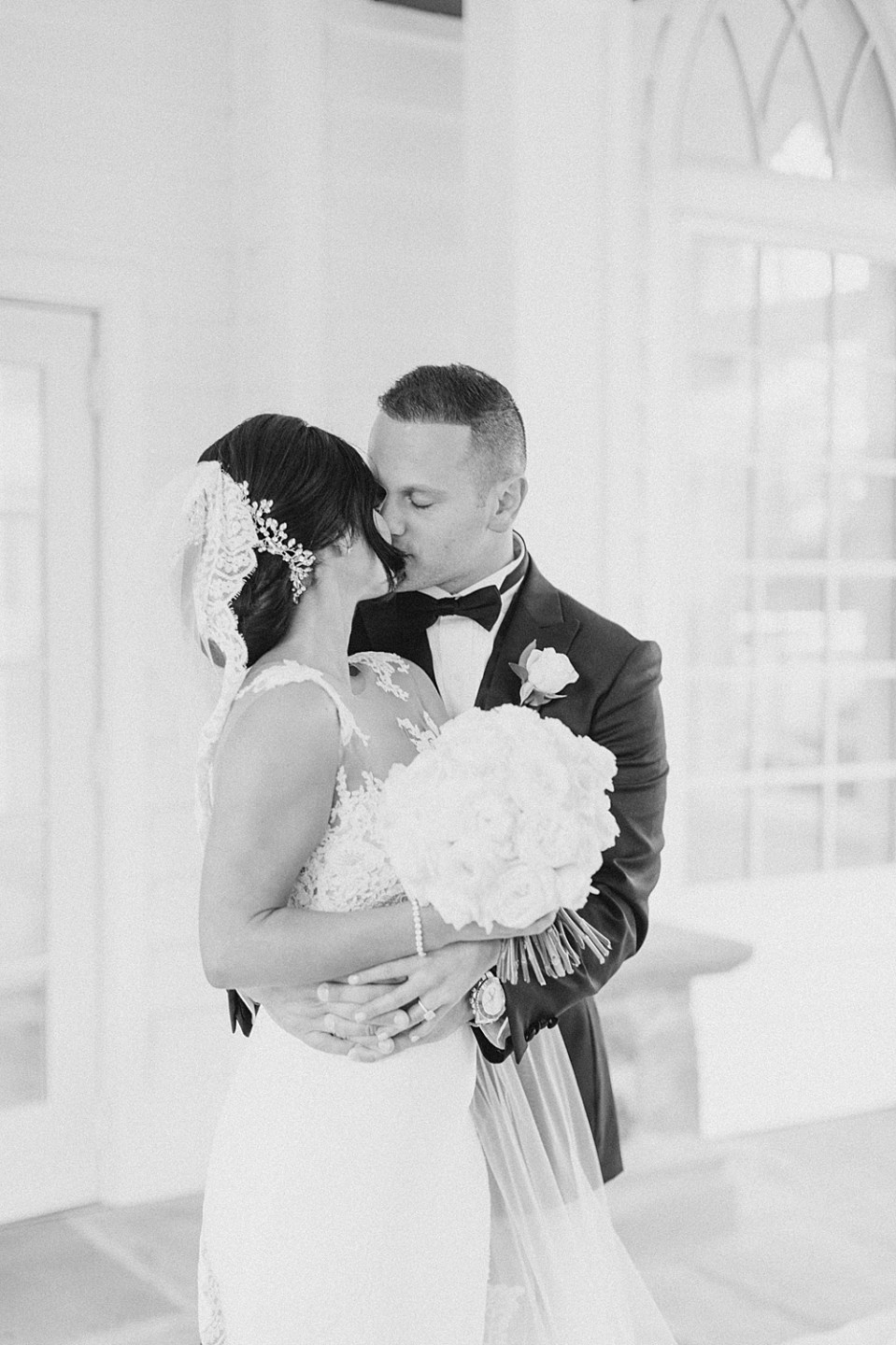 light and airy new jersey wedding photographer | sarah canning | ryland inn wedding