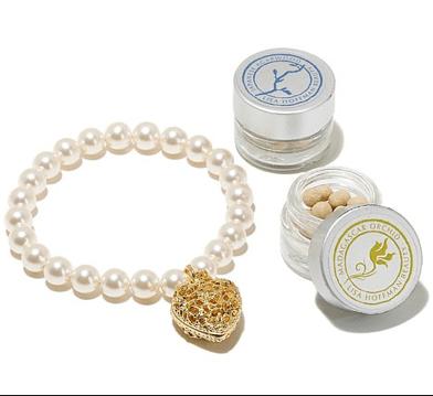 RESIZED Szwarkov bracelet and beads