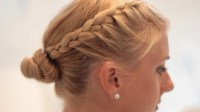 - Side Braid Hairstyle Tutorial For Working Out
