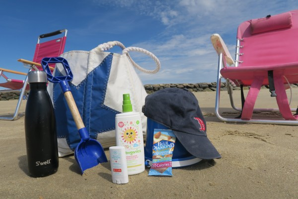 How much stuff do you really need to bring to the beach with a toddler? Here are my essentials.