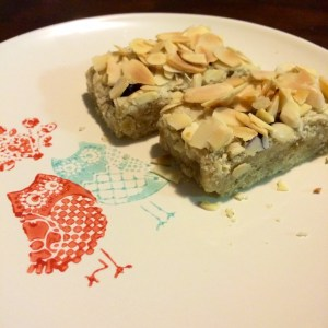ginger almond blueberry slice plate