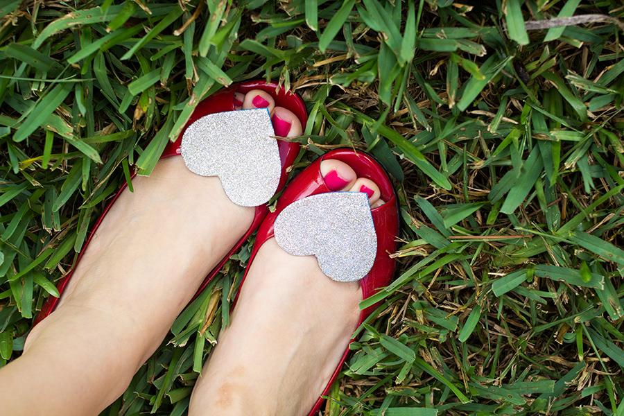 DIY Glitter Shoe Clips | Sarah Hearts