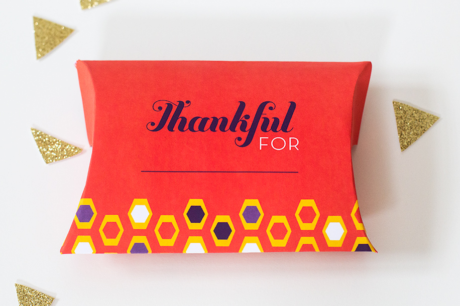 Printable Thanksgiving Pillow Box Place Cards
