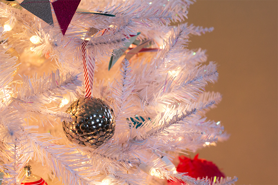 DIY Thumbtack Ornament