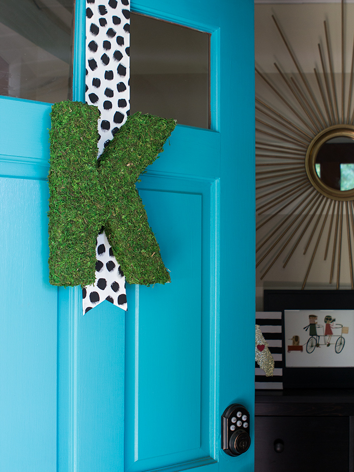 Learn how to create a modern moss covered monogram. It is perfect for decorating your front door and for weddings.