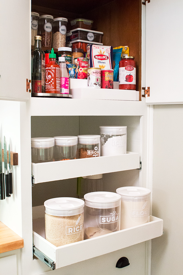 Don't have a pantry? Check out these smart storage solutions to convert a cabinet into a small pantry. (Click through to download the storage container labels to cut with your Silhouette Cameo or Cricut Explore)