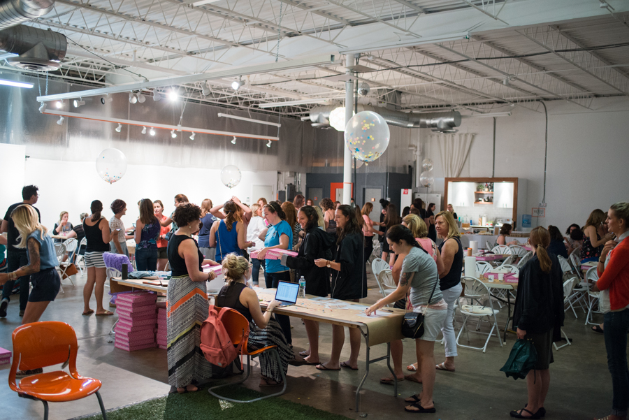 Want to create an awesome DIY project with over 100 of your closest friends? Come to Meet and make! #meetandmake