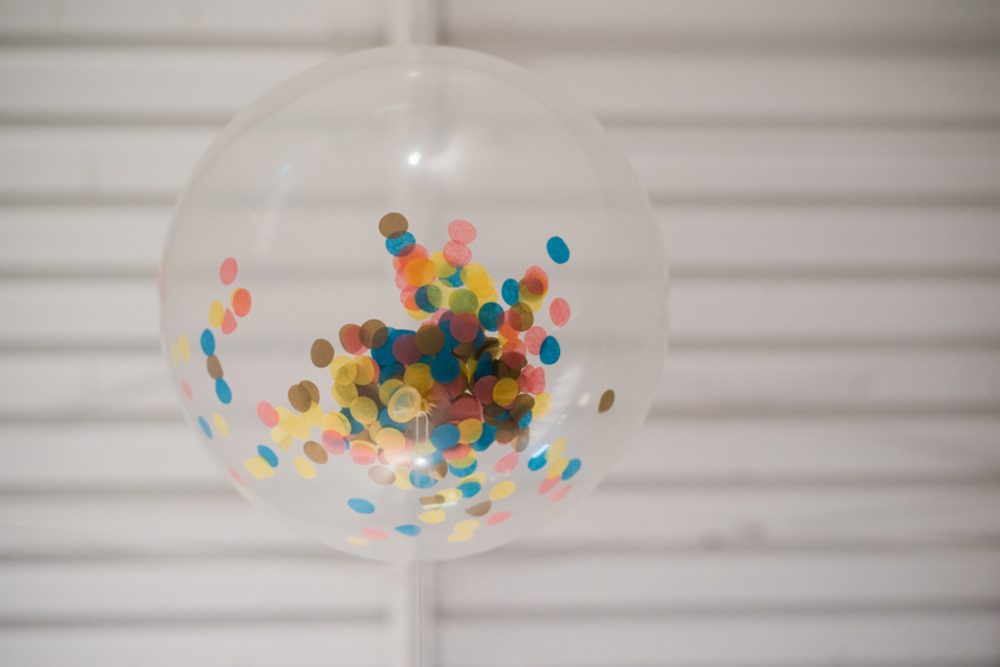 Love these big confetti filled balloons by The Flair Exchange! #meetandmake