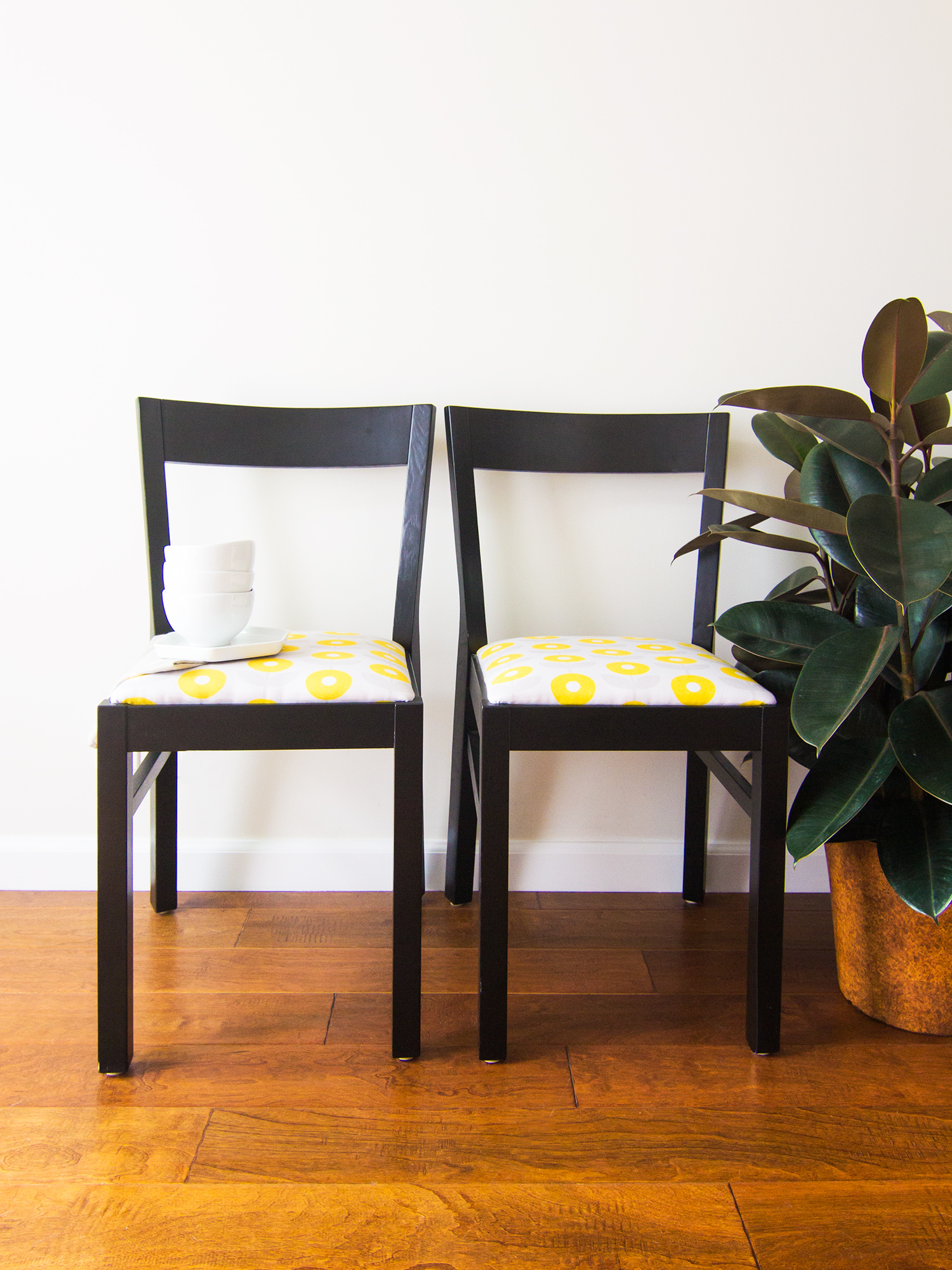 Diy Dining Chairs Diy Upholstered Dining Room Chairs Sarah Hearts