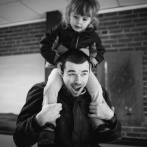 Candid family portrait photography in Maine
