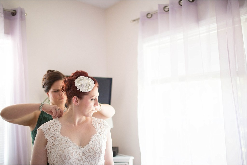 Maine Bride preparing for her wedding photgoraphy maine