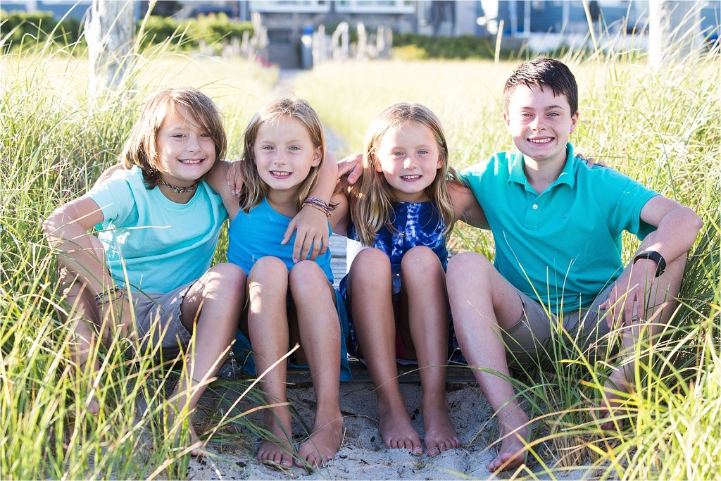 four siblings oob maine sarah jane photography