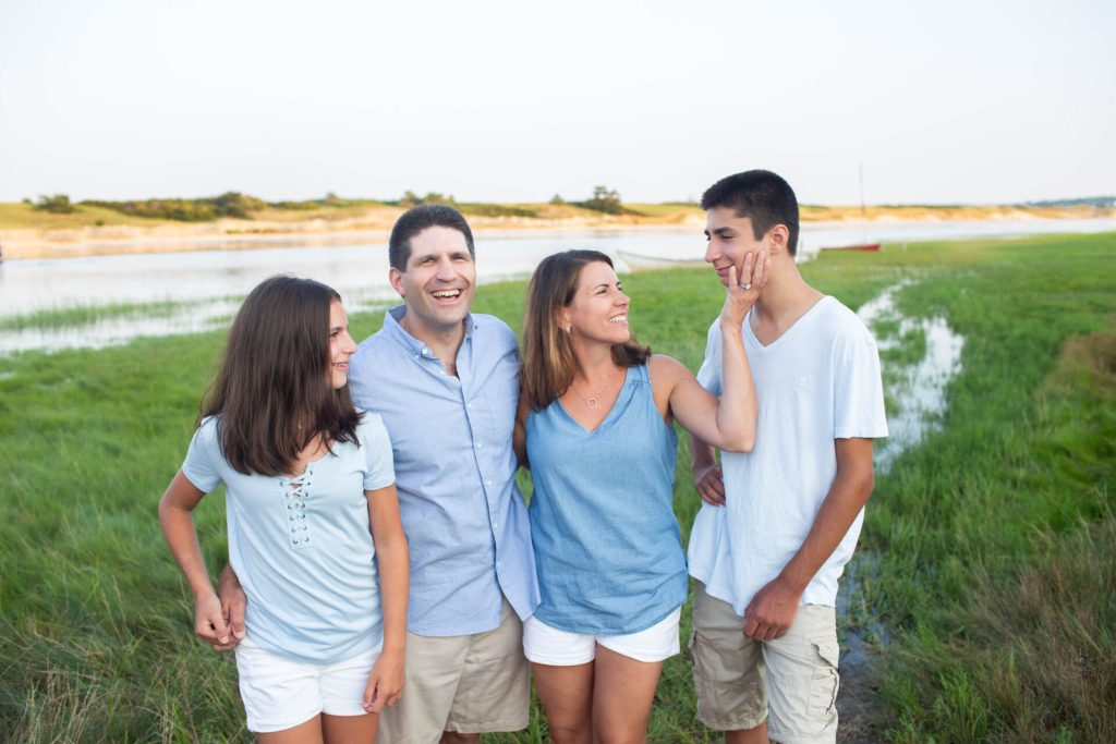 Footbridge Beach Summer Family Portrait Session | Ogunquit Maine | Sarah Jane Photography