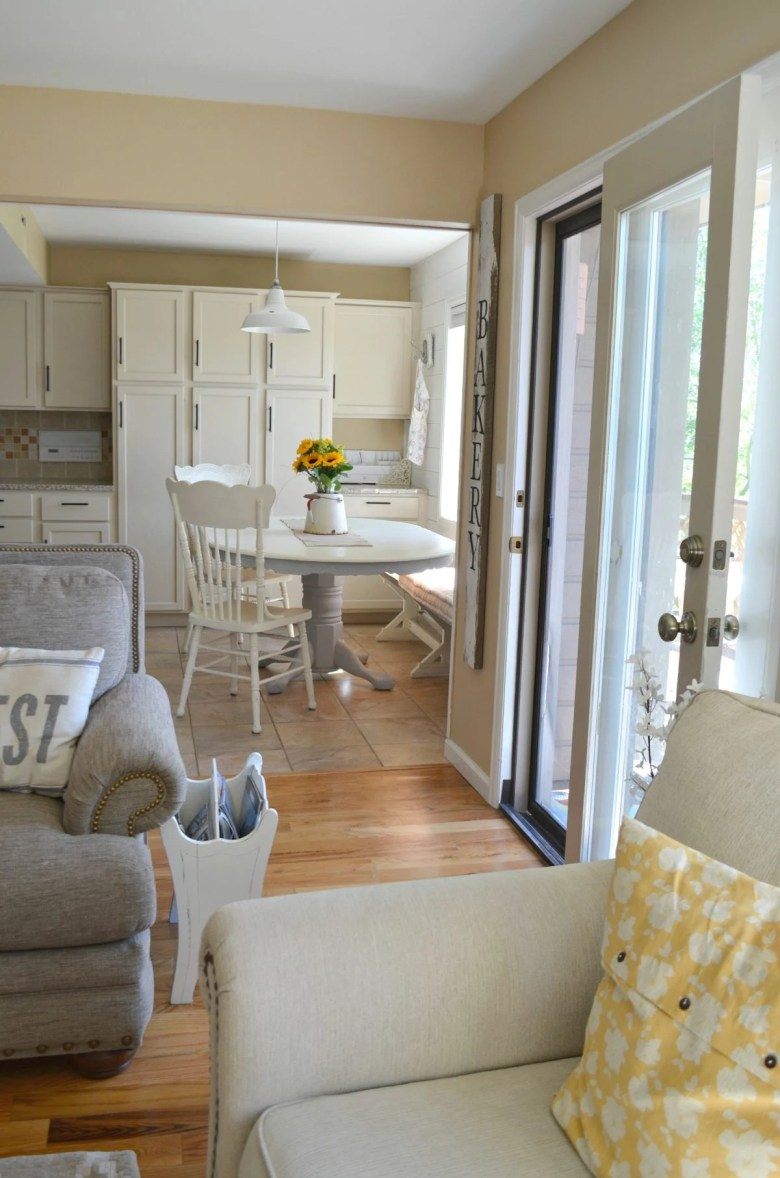 Farmhouse Style Breakfast Nook and Antique Table