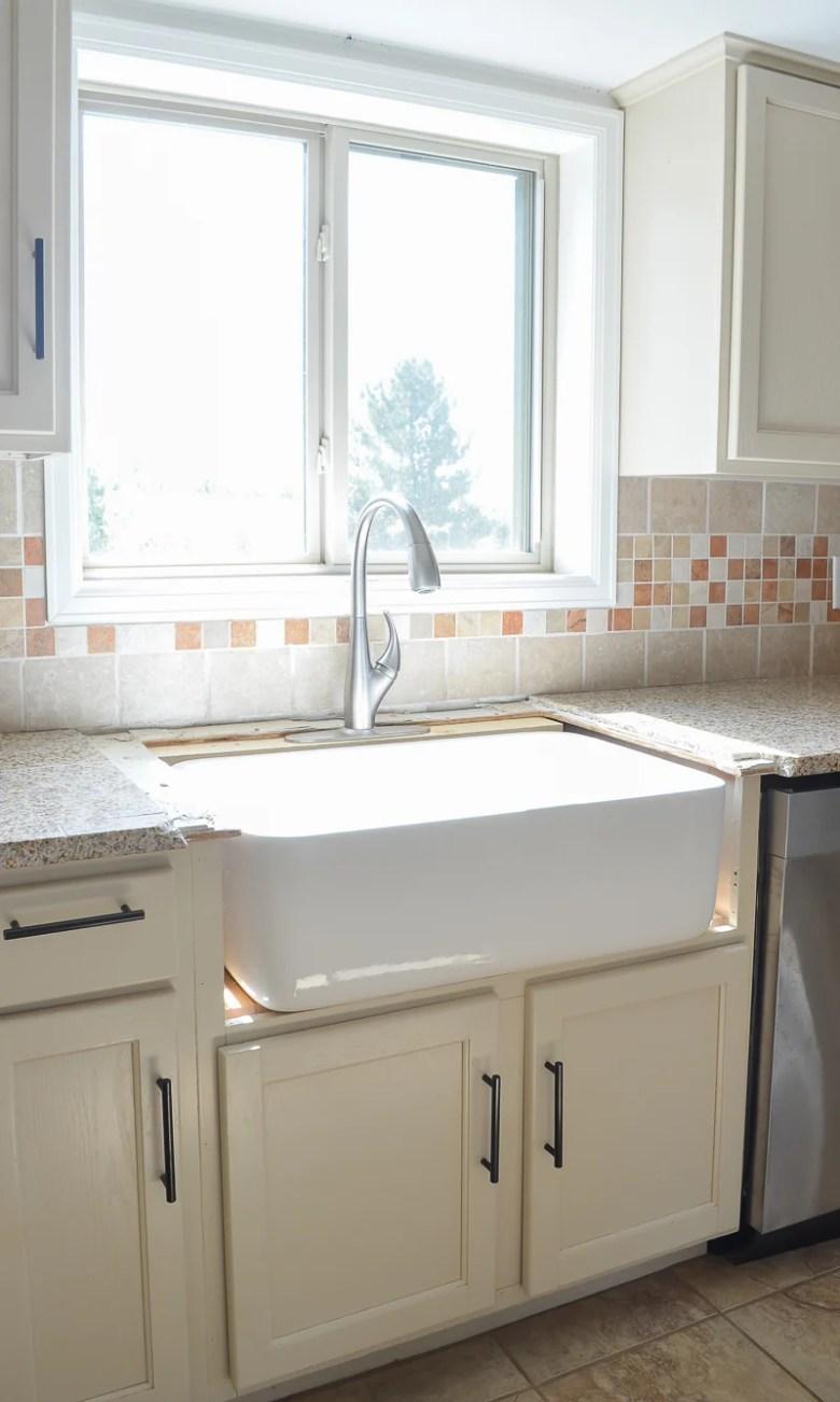 Kitchen Progress: Installing the Farmhouse Sink