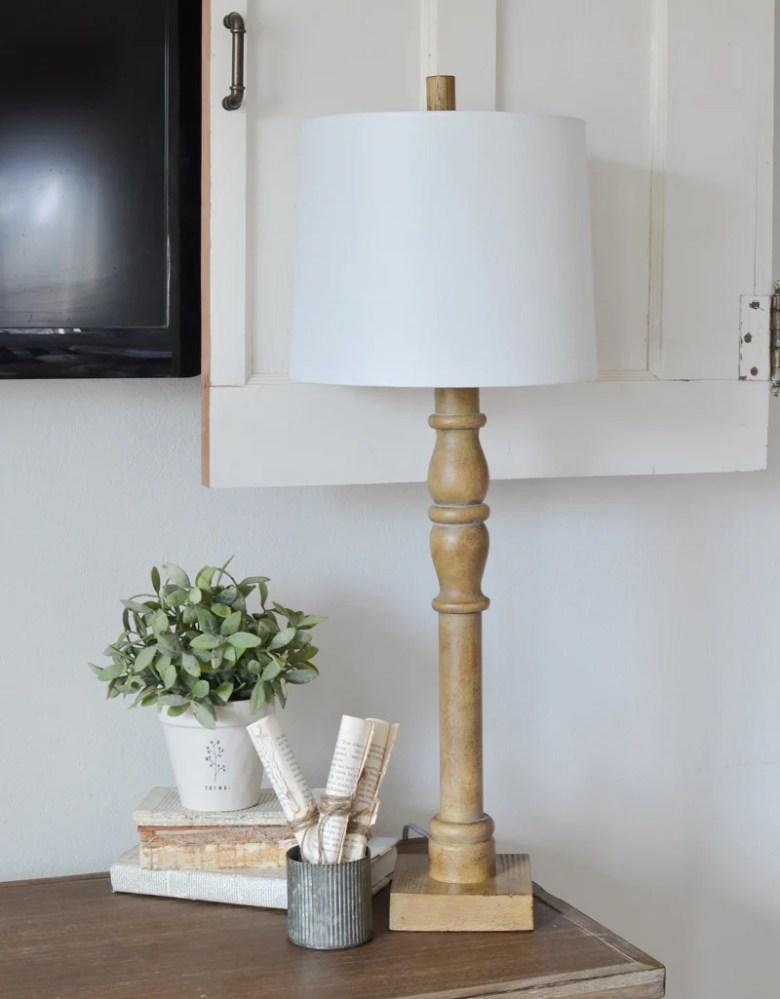 Farmhouse style lamp