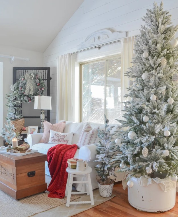 Cozy Christmas decor in the front room. Living room Christmas decor ideas.