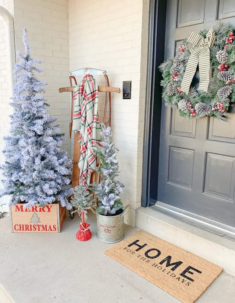 Easy Christmas Porch. Simple Christmas porch decor idea.