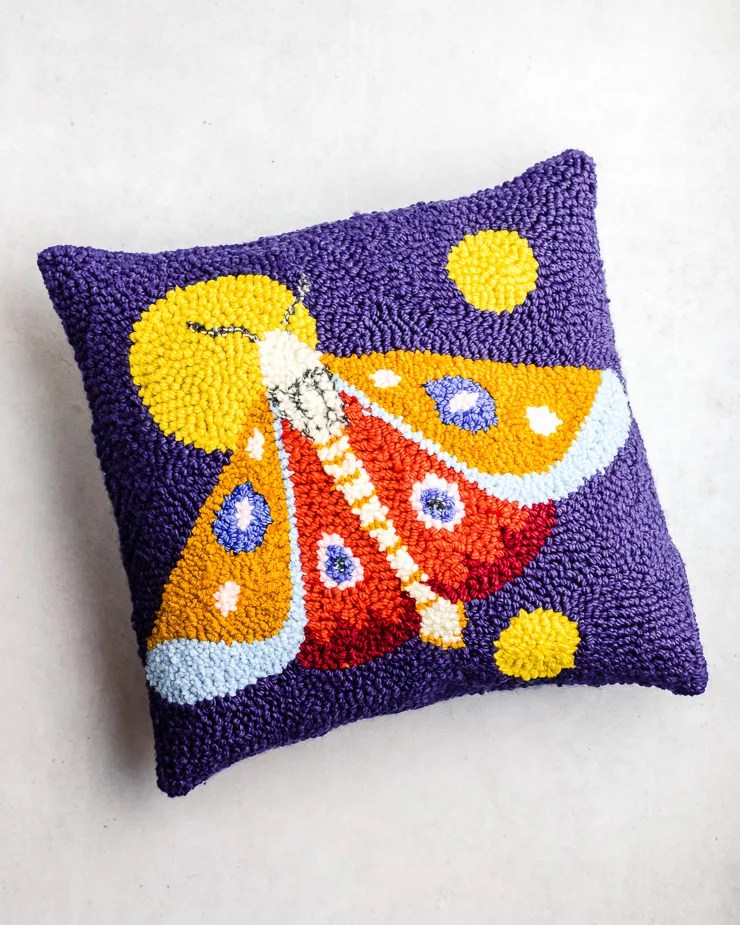 how to make a punch needle pillow