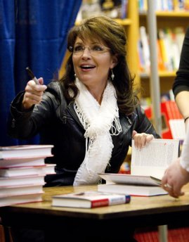 Sarah gestures at Lexington KY book signing