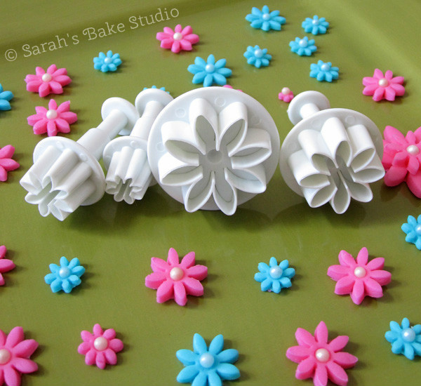 Fox Run Daisy Fondant Plunger Cutter Set