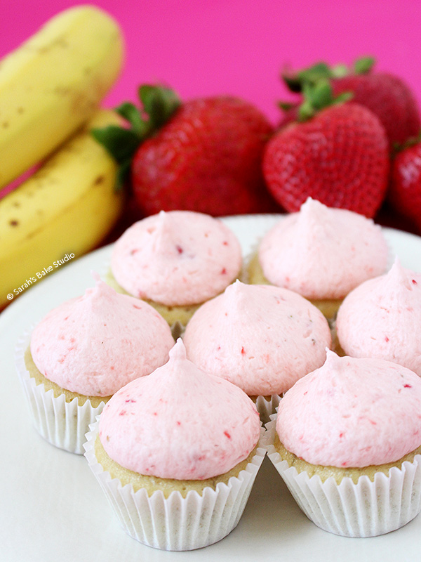 Strawberry Banana Mini Cupcakes