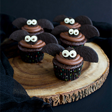 Halloween Bat Cupcakes from The Crafting Foodie