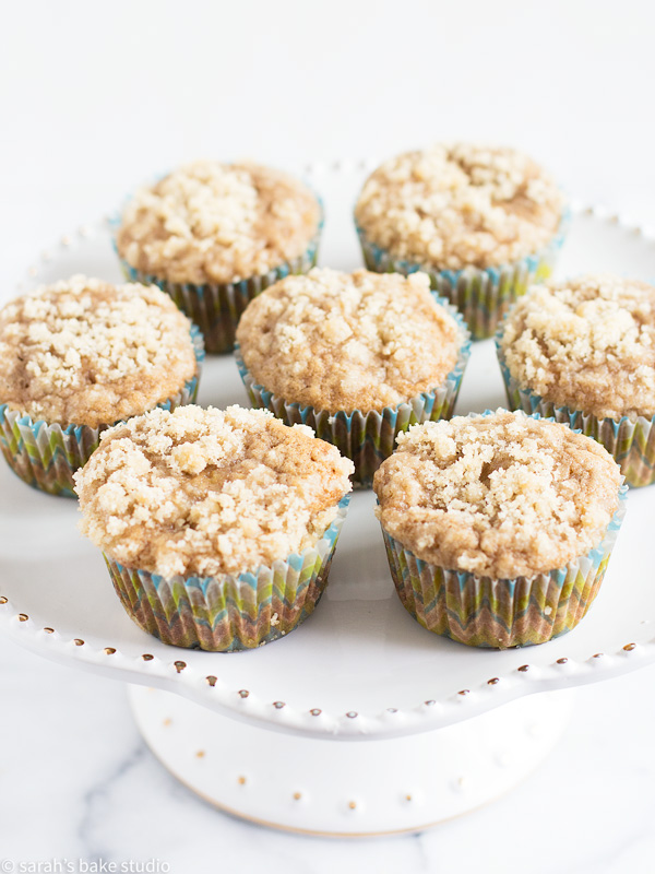 Banana Crumb Snack Cake Cupcakes – snack cake cupcakes bursting with bananas and cinnamon, and capped with a delicious crumb topping; a perfect marriage of banana bread and banana cake.