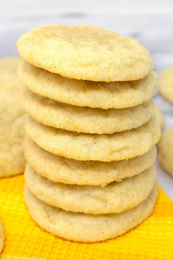 Chewy Lemon Sugar Cookies - deliciously simple sugar cookies with lemon extract, lemon juice, and lemon zest, making these soft and chewy lemon sugar cookies refreshingly lemon.