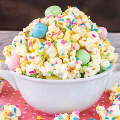 Easter Popcorn from Inside BruCrew Life
