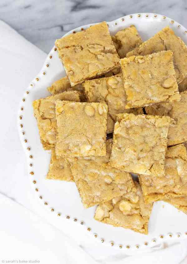 White Chocolate Blondies - soft and chewy, mouth-watering vanilla brownies with white chocolate chips.
