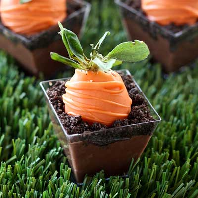 Carrot Patch Dirt Pudding Cups from Erica's Sweet Tooth
