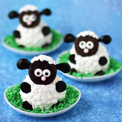 Fluffy Sheep Cupcakes from Hungry Happenings