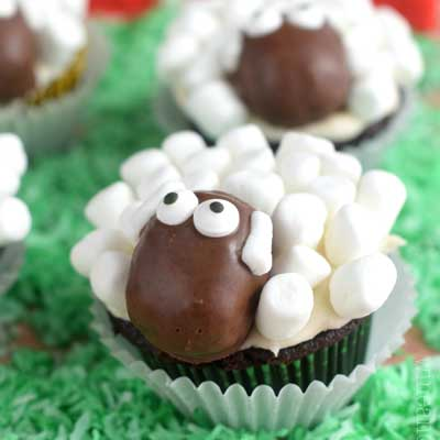 Sheep Cupcakes from Wine and Glue