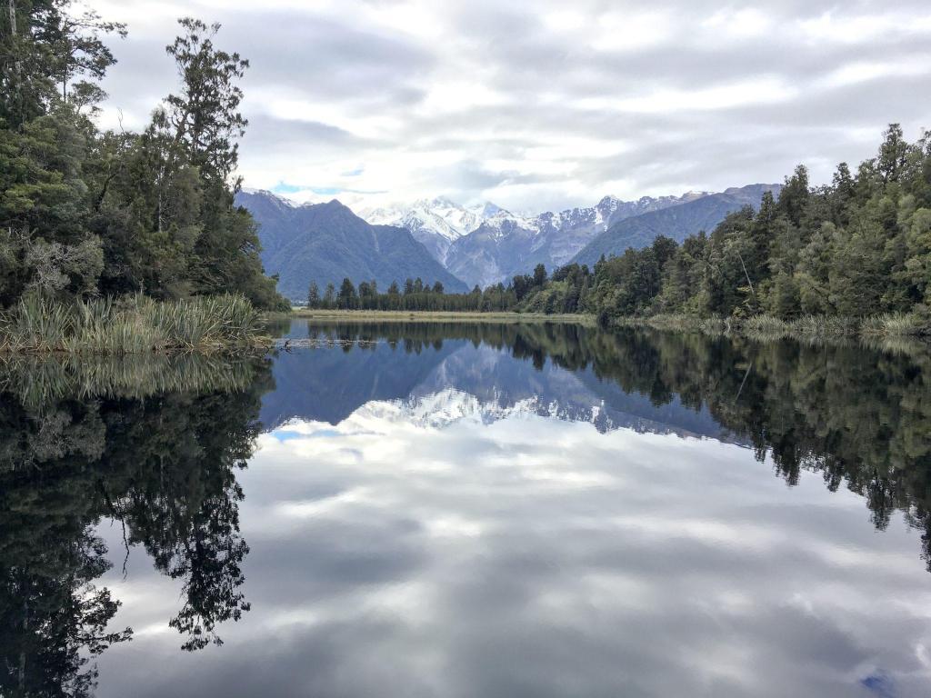 lake matheson reflections new zealand