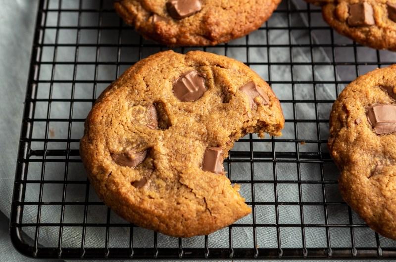 Flourless peanut butter chocolate chunk cookies