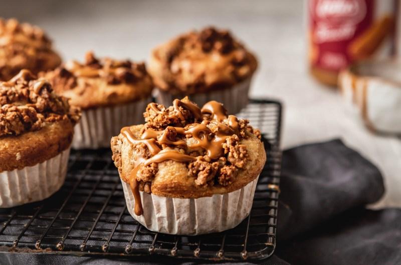 Biscoff crumble muffins