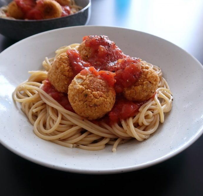 Vegan 3-Course Dinner Menu for Two Under 10€