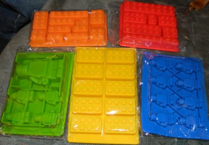 Silicone Lego Style Bricks and Minifigure Molds