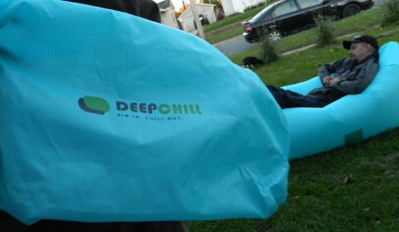 DeepChill Large Portable Inflatable Lounger
