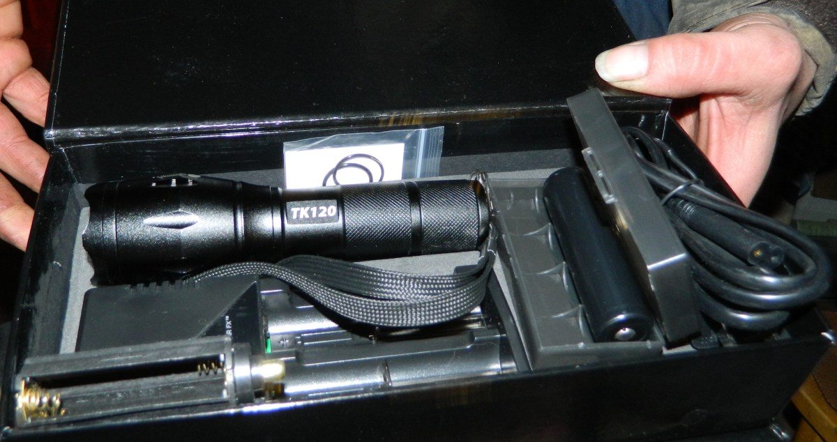Tactical LED Flashlight Kit