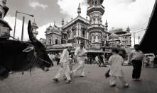 INDIA. Mumbai. Suleman Mosque, Mohammad Ali Road, 2009.