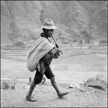 PERU. May 1954. On the road to Cuzco, near Pisac, in the Valle Sagrado of the Urubamba river.