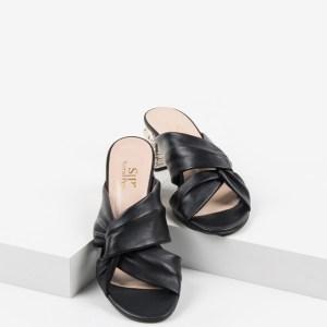 Стилни дамски чехли в черен цвят-241008